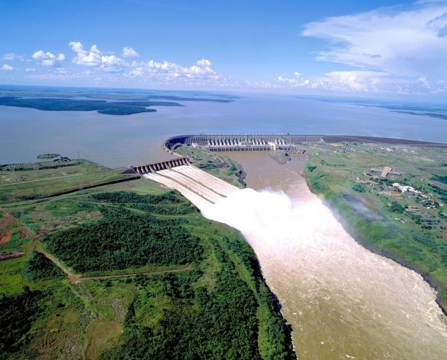 Represa de Itaipú - Iguazú /  - Iemanja