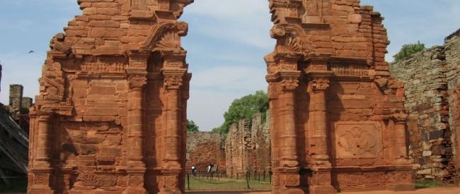 Encanto y armonía - Aristóbulo del Valle / Iguazú / Misiones Jesuiticas / Salto Encantado / San Ignacio / Wanda / Foz do Iguacu /  - Iemanja