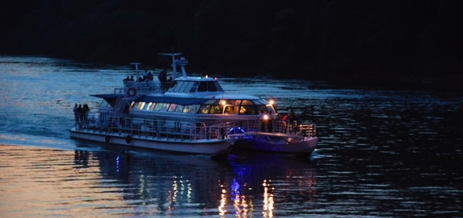 Paseo en Catamarán - Iguazú /  - Iemanja